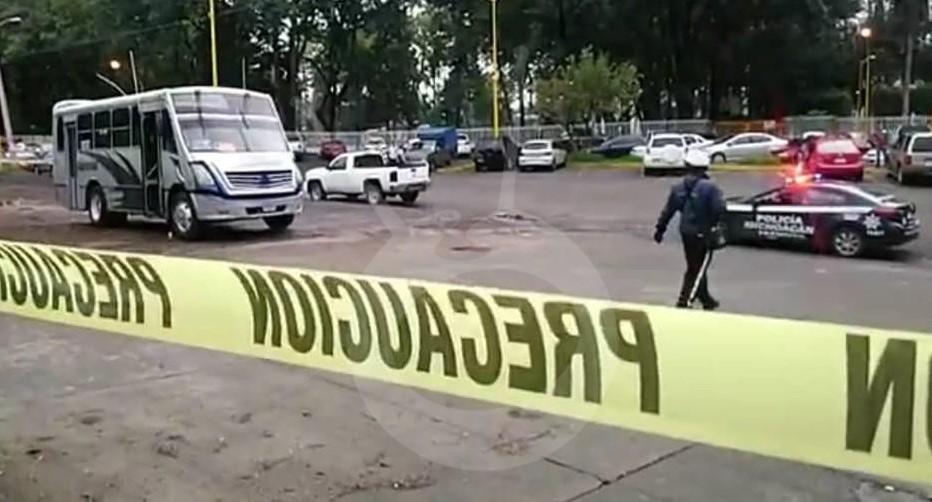 Photo of En Uruapan Microbusero Es Atacado A Balazos Y Muere Frente Unidad Deportiva