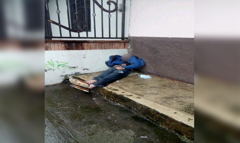 Photo of #Michoacán En Plena Vía Pública Encuentran Hombre Muerto En Colonia Agua Blanca De Uruapan