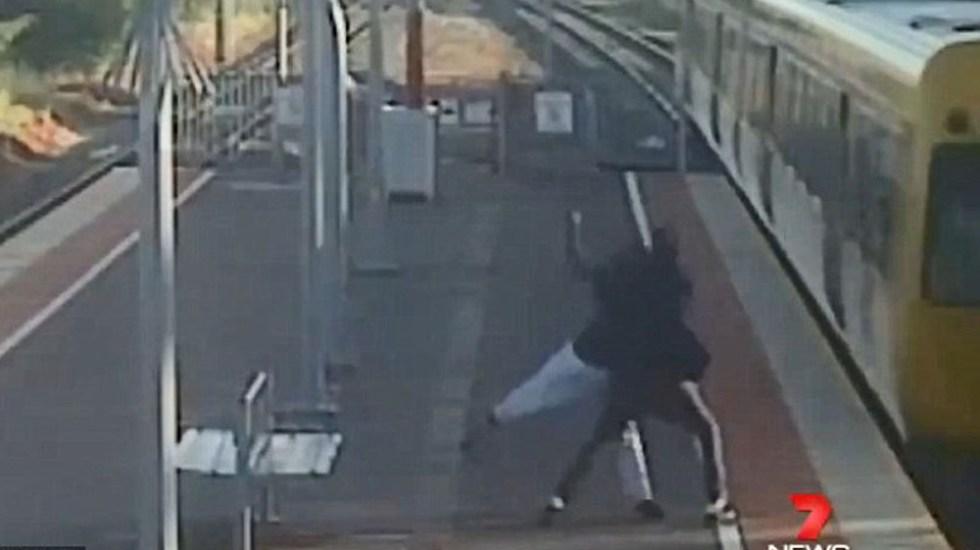 Photo of #Vídeo Chavo Intentó Arrojar A Su Novia A Las Vías Del Tren En Australia