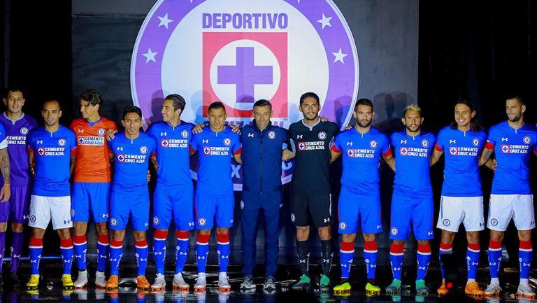 Photo of La Playera Más Limpia De Publicidad En Liga Mx Es De Cruz Azul