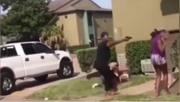 Photo of #Vídeo Mujer Armada Ataca A Adolescente Por Pelea De Snapchat