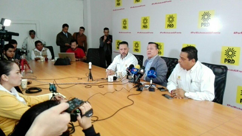 """Photo of PRD Michoacán Le Dice Al Dirigente Morenista Que Debe """"Leer Un Poquito Más"""""""