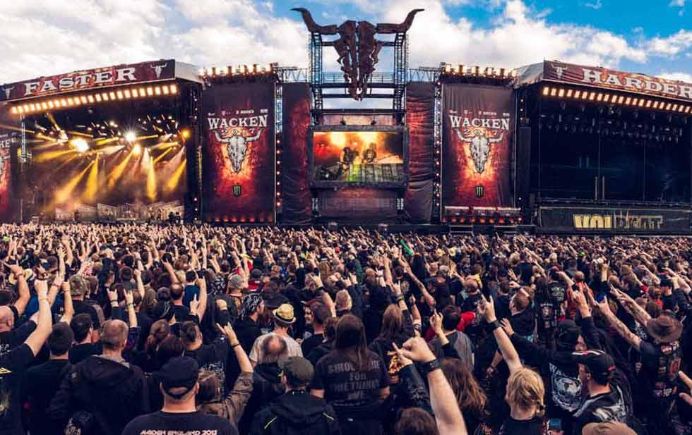 Photo of En Alemania Dos Abuelitos Se Escapan De Asilo Para Ir A Toquin De Heavy Metal