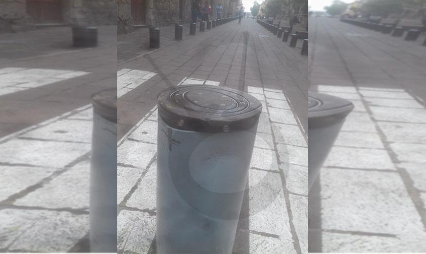 Photo of ¡Valió Bertha! Golpean Bolardo Eléctrico En Calle Peatonalizada Benito Juárez Del Centro Moreliano