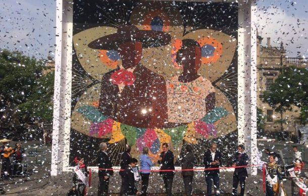 Photo of #Guadalajara Artesanos Wixáritari Realizan Gran Mosaico Y Ganan Récord Guiness