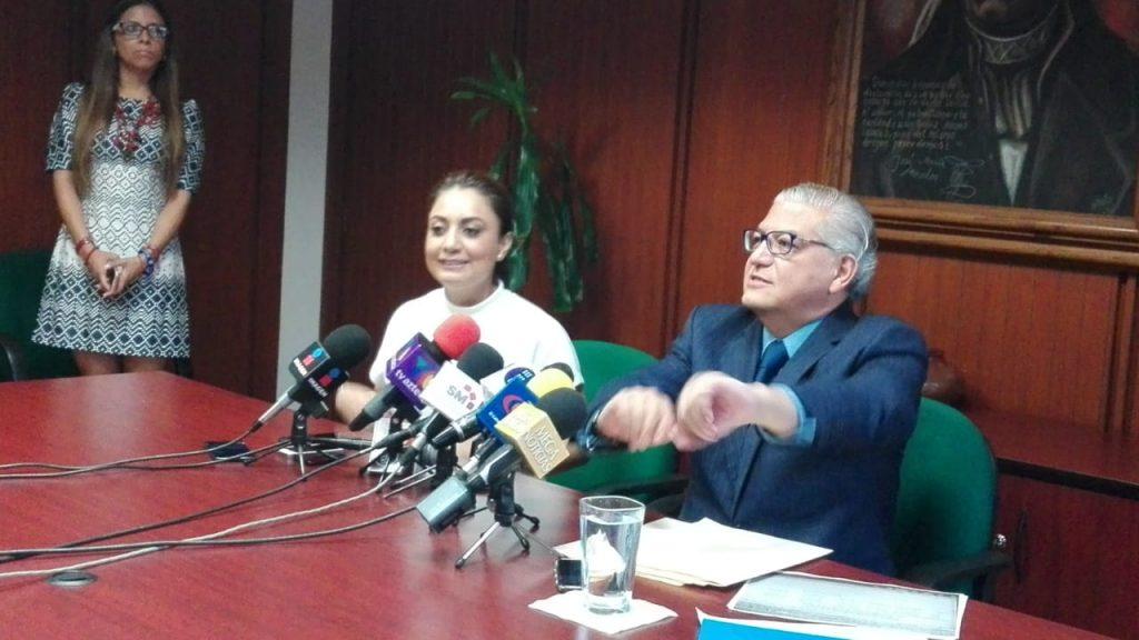 Photo of Secretario De Finanzas Asegura Que Rector De UMSNH Miente