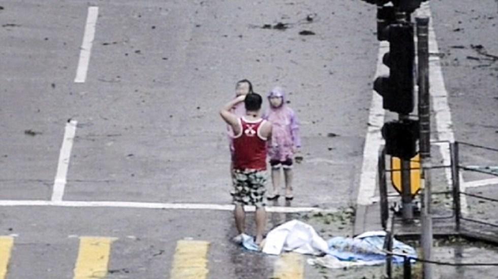 Photo of #Vídeo Padre Arriesga Vida De Hijos Para Tomarles Foto Durante Tifón Mangkhut