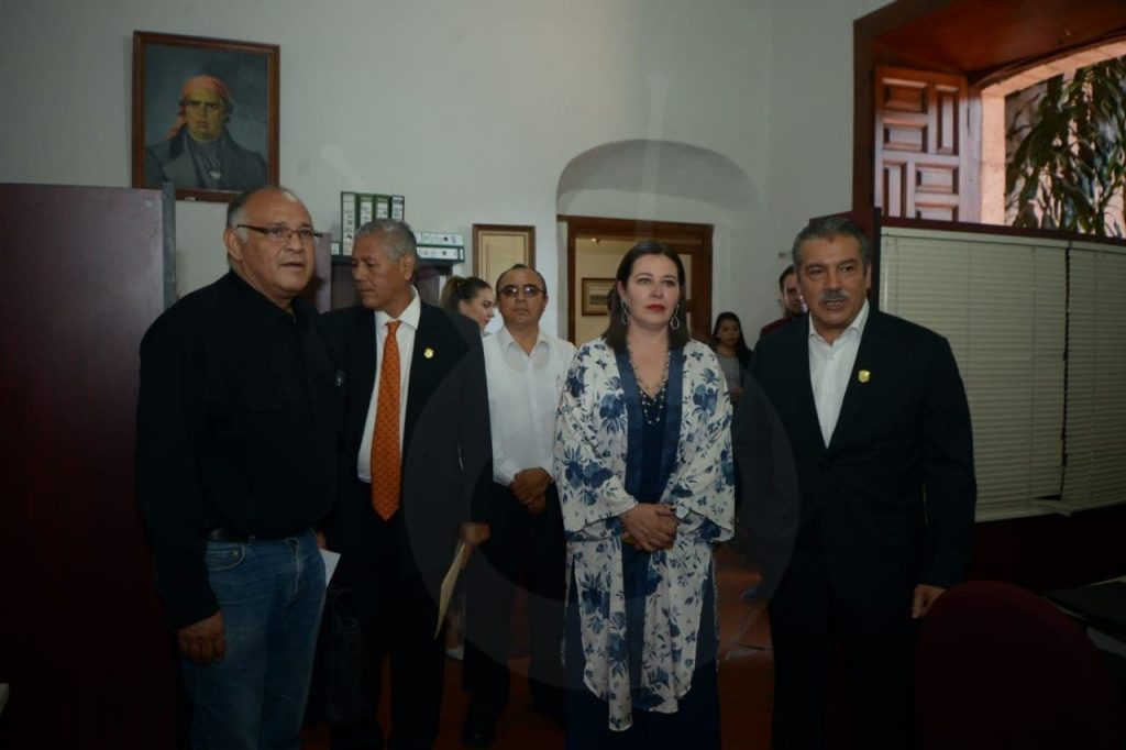 Photo of Alcalde De Morelia Raúl Morón Entrega Nombramientos A Miembros De Gabinete