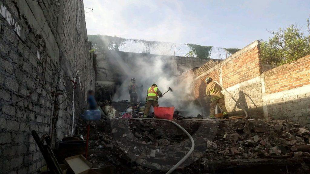 Photo of #Morelia Por Quema De Basura Se Reduce A Cenizas Cuarto De Madera En Barrio Alto