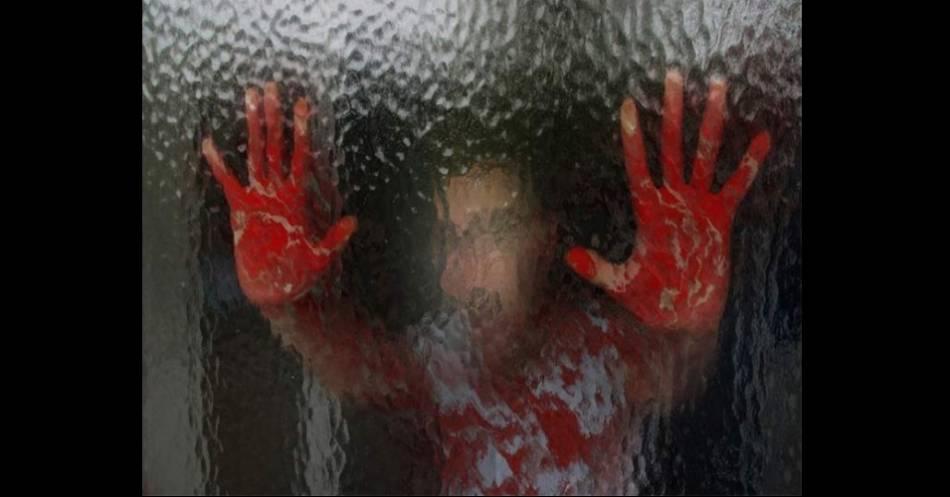 Photo of OMG! Niña Sufre Rara Enfermedad Que La Hace Sudar Sangre Cuando Está Estresada