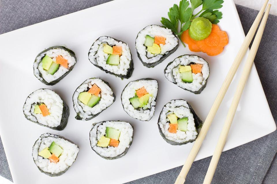 Photo of En Corea Del Sur Abuelito Pierde Brazo Por Comer Sushi