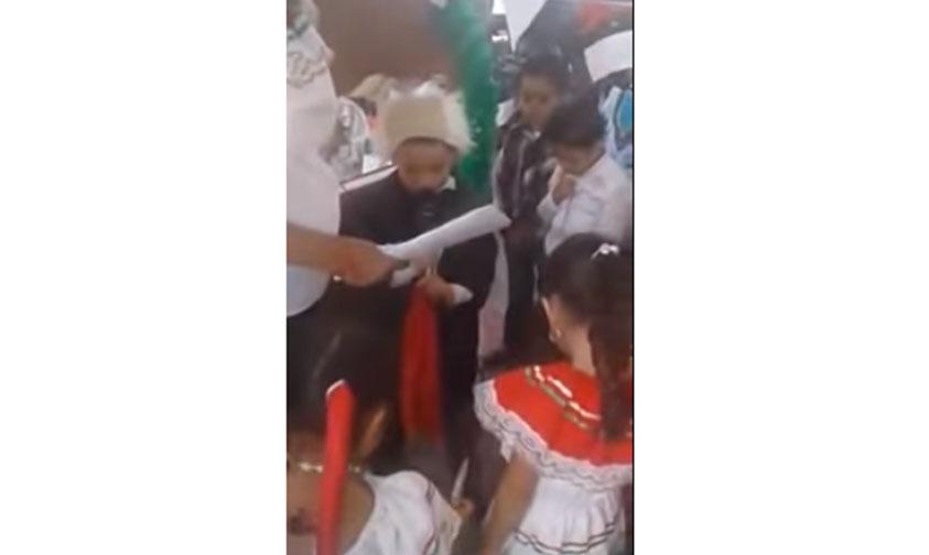 """Photo of #Video Niño Miguel Hidalgo Cambia La Historia """"Viva México Y El Cruz Azul"""""""