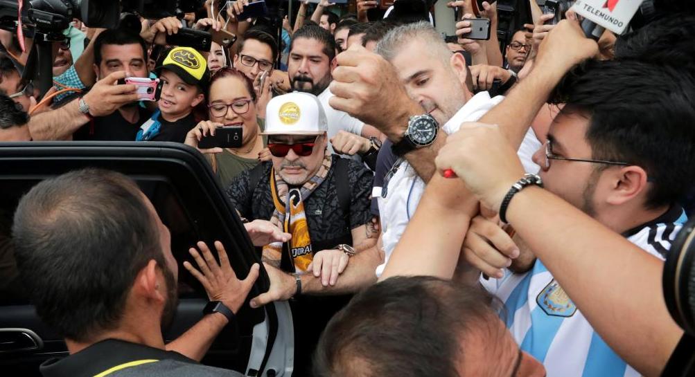 Photo of Maradona No Es Bien Recibido En Culiacán Y Lo Corren De Fraccionamiento