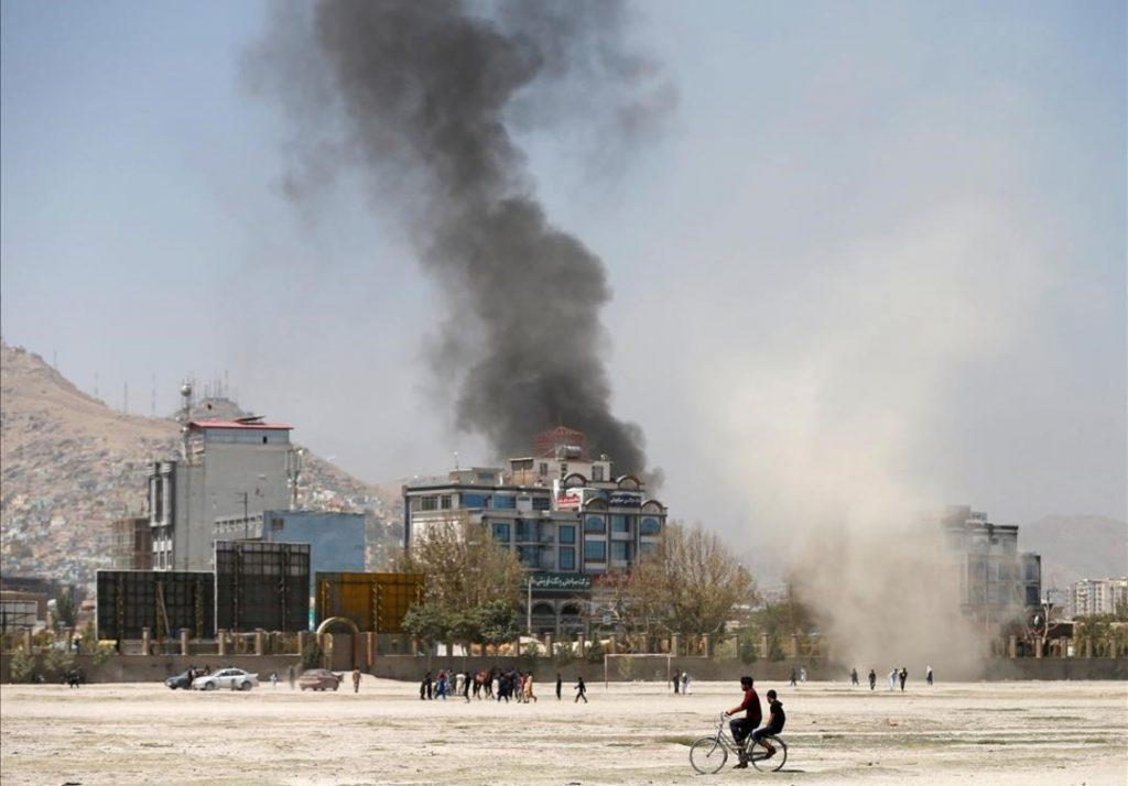 Photo of Doble Atentado En Afganistán Deja 20 Fallecidos Y 70 Heridos