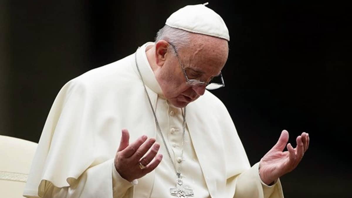 Photo of Papa Convoca A Cumbre Mundial Para Tratar Abusos Sexuales De Clérigos