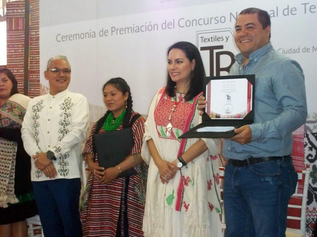 Photo of #Michoacán Premian A Artífices Michoacanos En El Concurso Nacional De Textiles Y Rebozos 2018