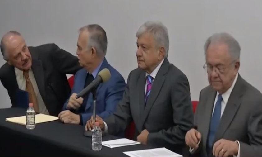 Photo of AMLO Asegura Que Riobóo No Será Contratista De Nuevo Aeropuerto Internacional