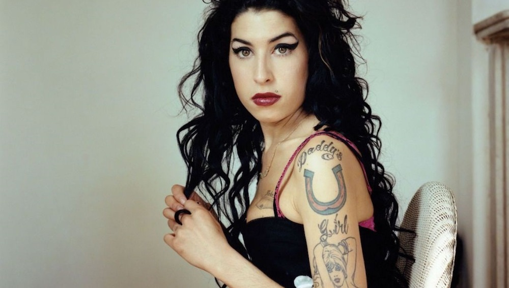 Photo of OMG! Amy Winehouse Regresa En Forma De Holograma Para Recaudar Fondos