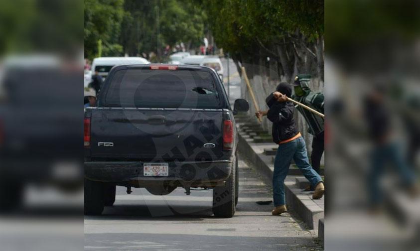 Photo of Camioneta Vandalizada Por Miembros Del FNLS
