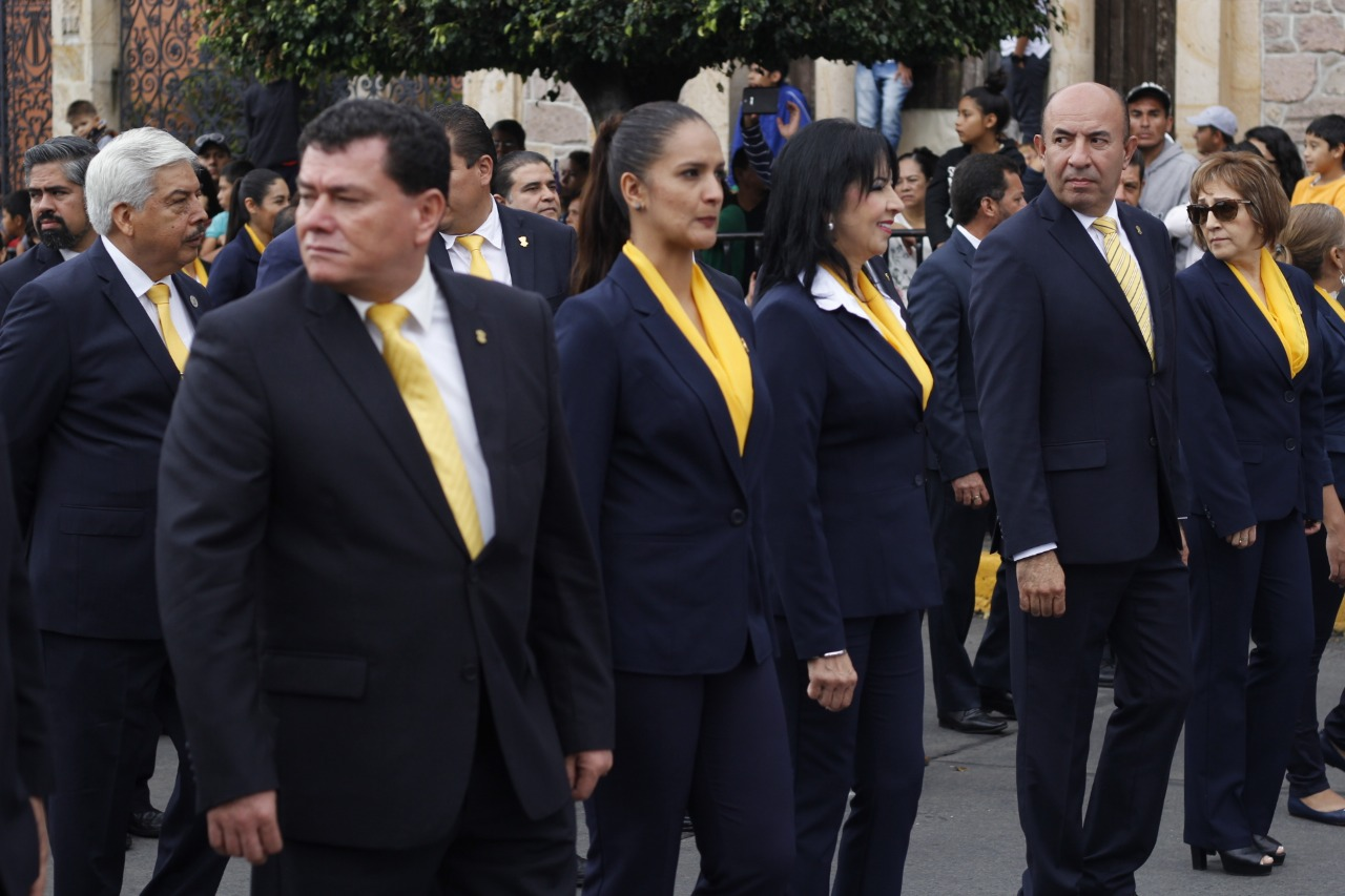 Photo of Ahí Le Va La Voladora, Advierte Frutis A Director De Normal De Tiripetío
