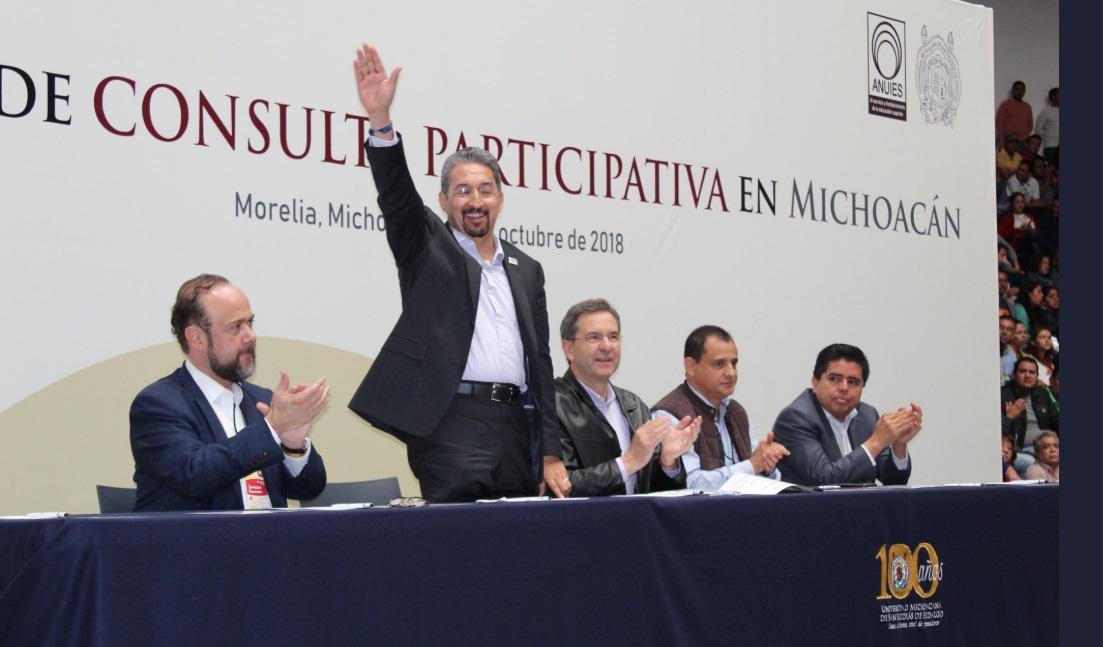 Photo of En Foro Abuchean Al Rector De La UMSNH Y Aplauden A Líderes De Morena Y CNTE