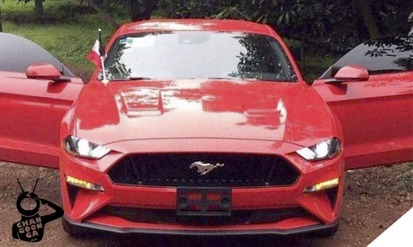 Mustang robo Uruapan Michoacán