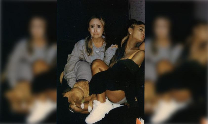 Photo of Ariana Grande Sube Foto Muy Acaramelada Con Una Chica