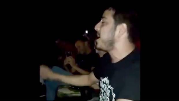 """Photo of #Video Canta A Todo Pulmón """"I Want To Break Free"""" En Medio De Apagón En Cine"""