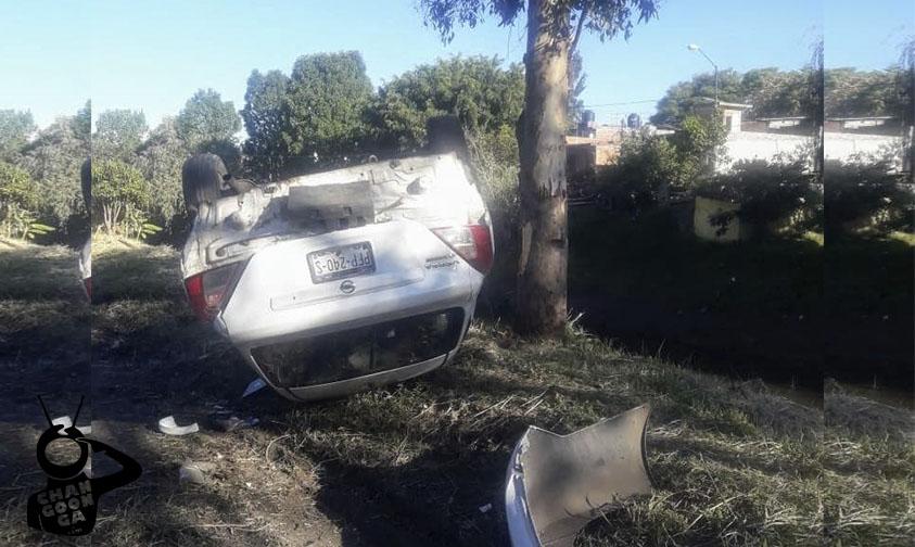 Photo of #Morelia Abandonan Auto Volcado Sobre Avenida División Del Norte