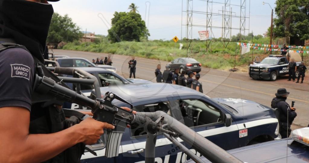Photo of #Apatzingán Apañan A 3 Vatos Tras Persecución Policiaca