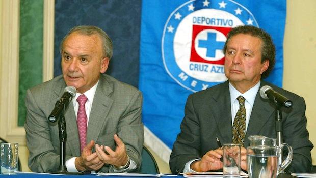 """Photo of Cruz Azul Analiza Realizar """"Consultas"""" Al Estilo De AMLO Para Elegir Refuerzos"""