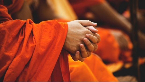 Photo of #WTF! Arrestan A Monje Budista En Una Orgía Por Consumir Cristal