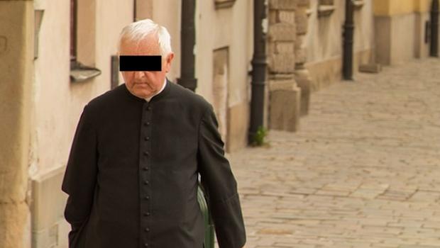 Photo of Dan 75 Años De Cárcel A Sacerdote Por Abusar De Niñas Y Contagiar A Una De VIH