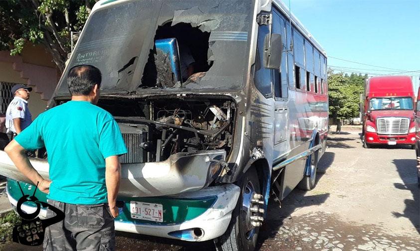 Photo of No Hubo Pasajeros Que Lamentar Al Incendiarse Microbús En Apatzingán