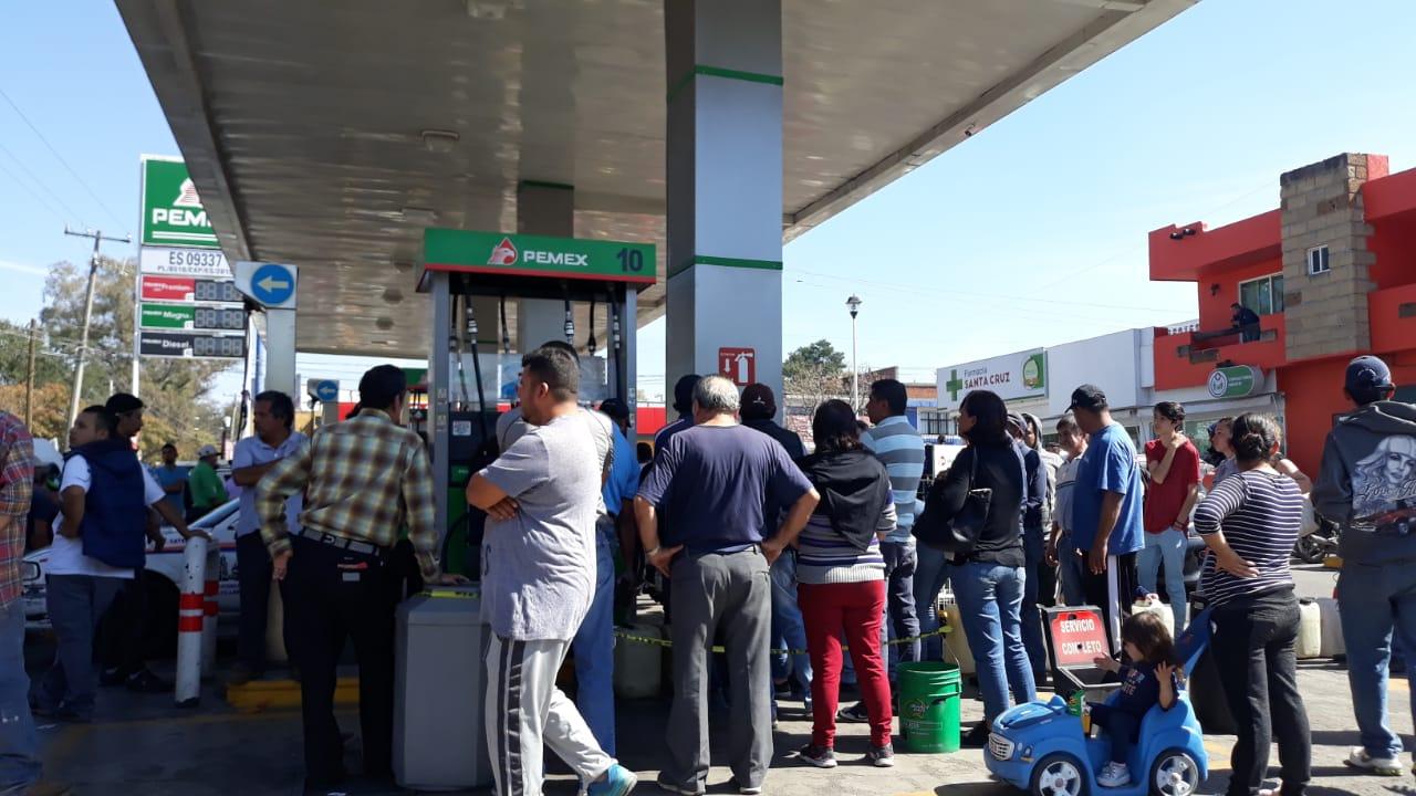 Photo of #Morelia Cientos De Personas En Gasolinera De Entrada A López Mateos Generan Caos