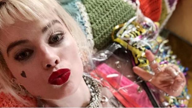 Photo of #Vídeo Margot Robbie Presume Nueva Imagen De Harley Quinn