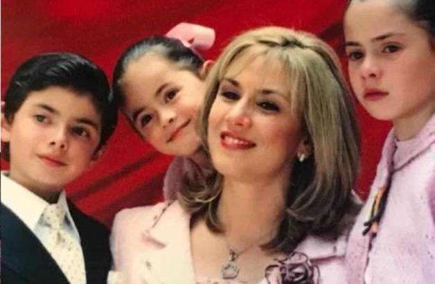 """Photo of """"Te Amamos Y Te Extrañamos"""" Hijos De EPN Recuerdan A Fallecida Madre"""