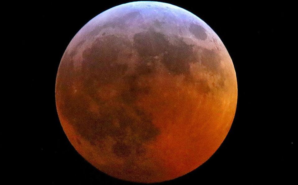 Photo of #Vídeo Durante Eclipse Meteorito Se Estrelló En La Luna