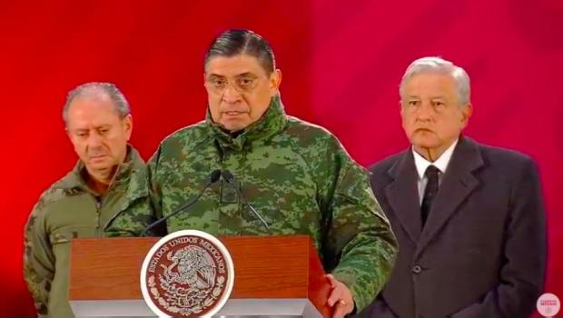 Photo of Militares No Pudieron Alejar A Pobladores De La Toma: Sedena