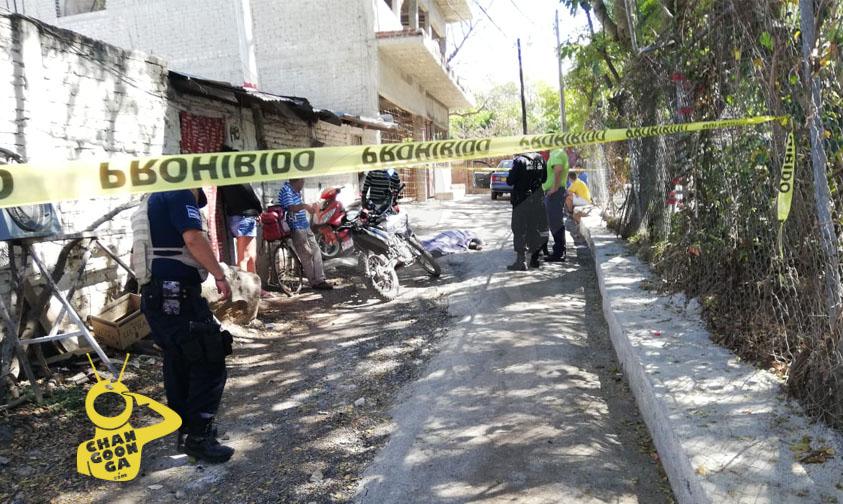 Photo of #Michoacán Muere Don Que Andaba Tomando Al Lado De Unidad Deportiva En Los Reyes