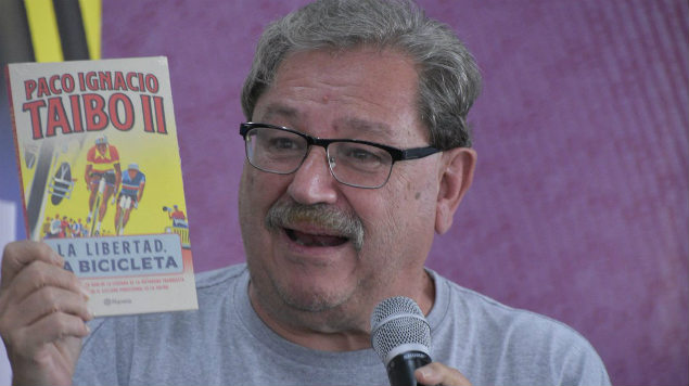 """Photo of Queman A Taibo Por Ir A """"Mear"""" A Media Presentación Y Nunca Regresar"""