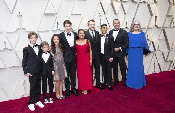 Photo of En Redes Celebran Presencia De 'Latín Lover' En Alfombra Roja De Los Oscar