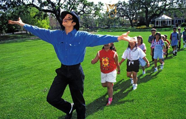 """Photo of #Video ¡Escalofriante! Trabajadora De Michael Jackson Confiesa """"Había Vaselina Por Todo Neverland"""""""