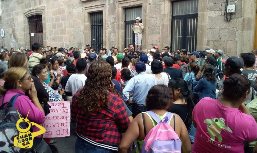 Photo of #Morelia Más De Mil Antorchistas Se Manifiestan Frente A Ayuntamiento