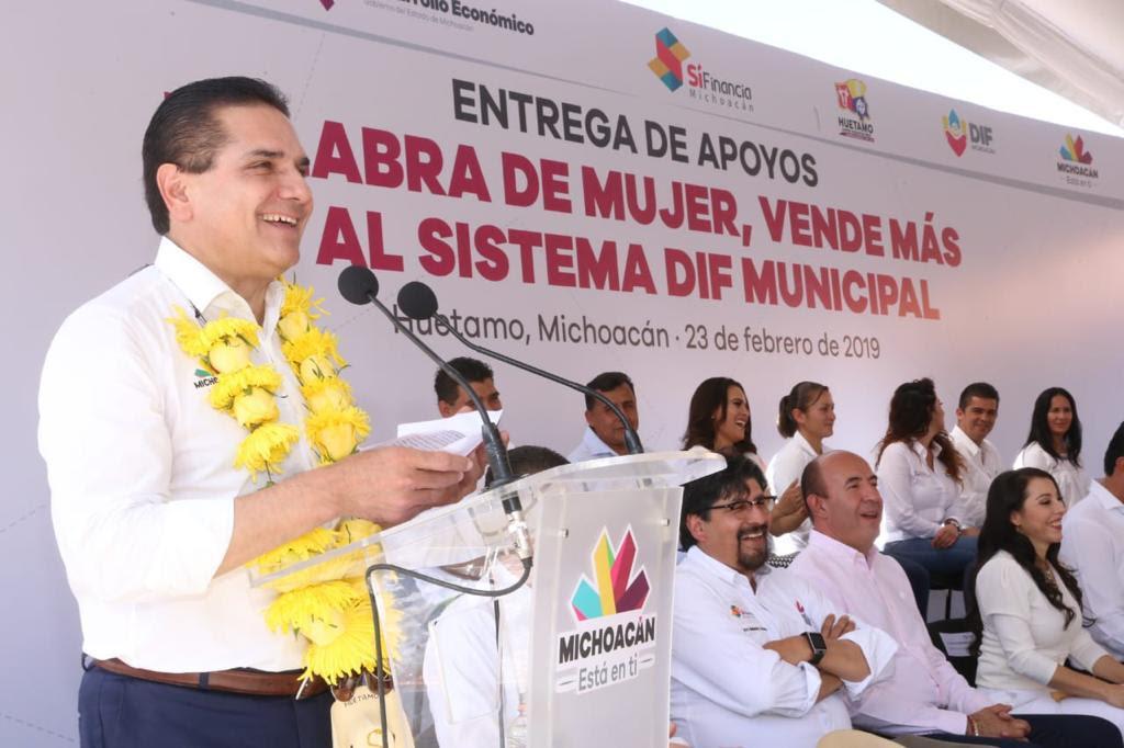 Photo of Palabra De Mujer Beneficiará A Padres Solteros Y Personas De Diversidad Sexual: Gobernador