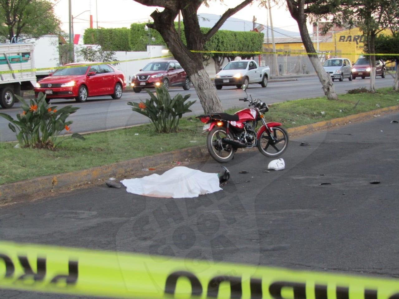 Photo of #Zamora Carro Atropelló A Pareja En Moto; La Mujer Muere