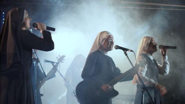 Photo of #Video Monjas Rockean Sus Alabanzas Y Se Vuelven Virales