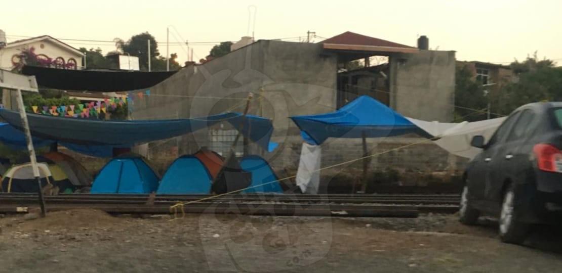 Photo of #Uruapan Radicales De La CNTE Se Niegan A Retirar Bloqueo Sobre Vías En Caltzontzin