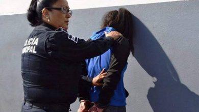 Photo of #WTF Detienen A mujer Que Intentó Asesinar A Su Esposo Por No Pagarle Uñas De Acrílico