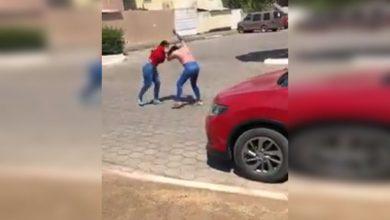 Photo of #Video Morras De Apatzingán Se Agarran A Madrazos En Plena Vía Pública